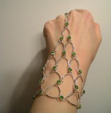 Chain Maille Eternity Bracelet in Peridot Green Swarovski Crystal